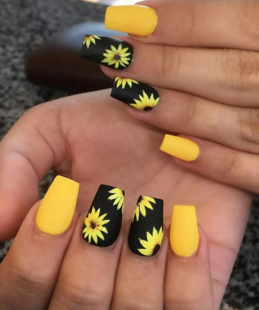 50 Amazing Sunflower Nail Designs For Summer Page 6 Tiger Feng Short Acrylic Nails Designs Sunflower Nails Yellow Nails Design
