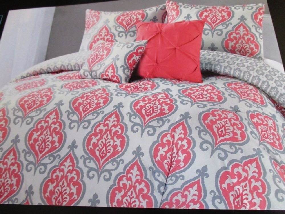 Cynthia Rowley Coral Gray And White Medallion 4pc Twin Xl