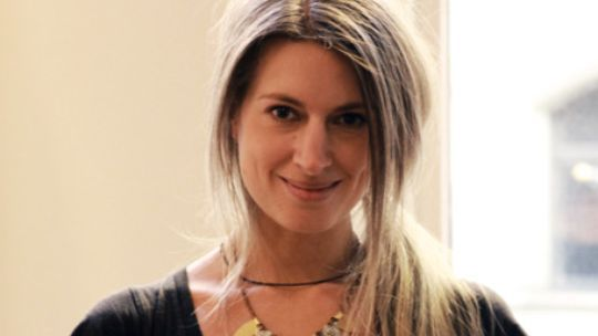 Sarah Harris Graue Haare