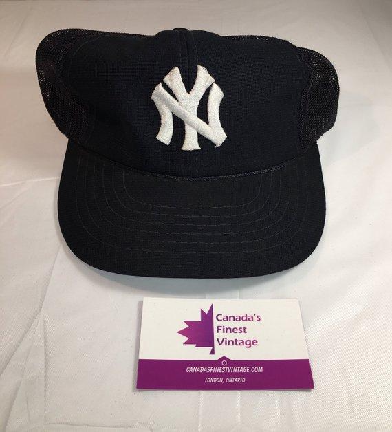 bdf34c566000b2 90s Vintage New York Yankees Mesh Back Snapback Hat / 1990s NYC Yankees MLB  Baseball Team Hat - Retr