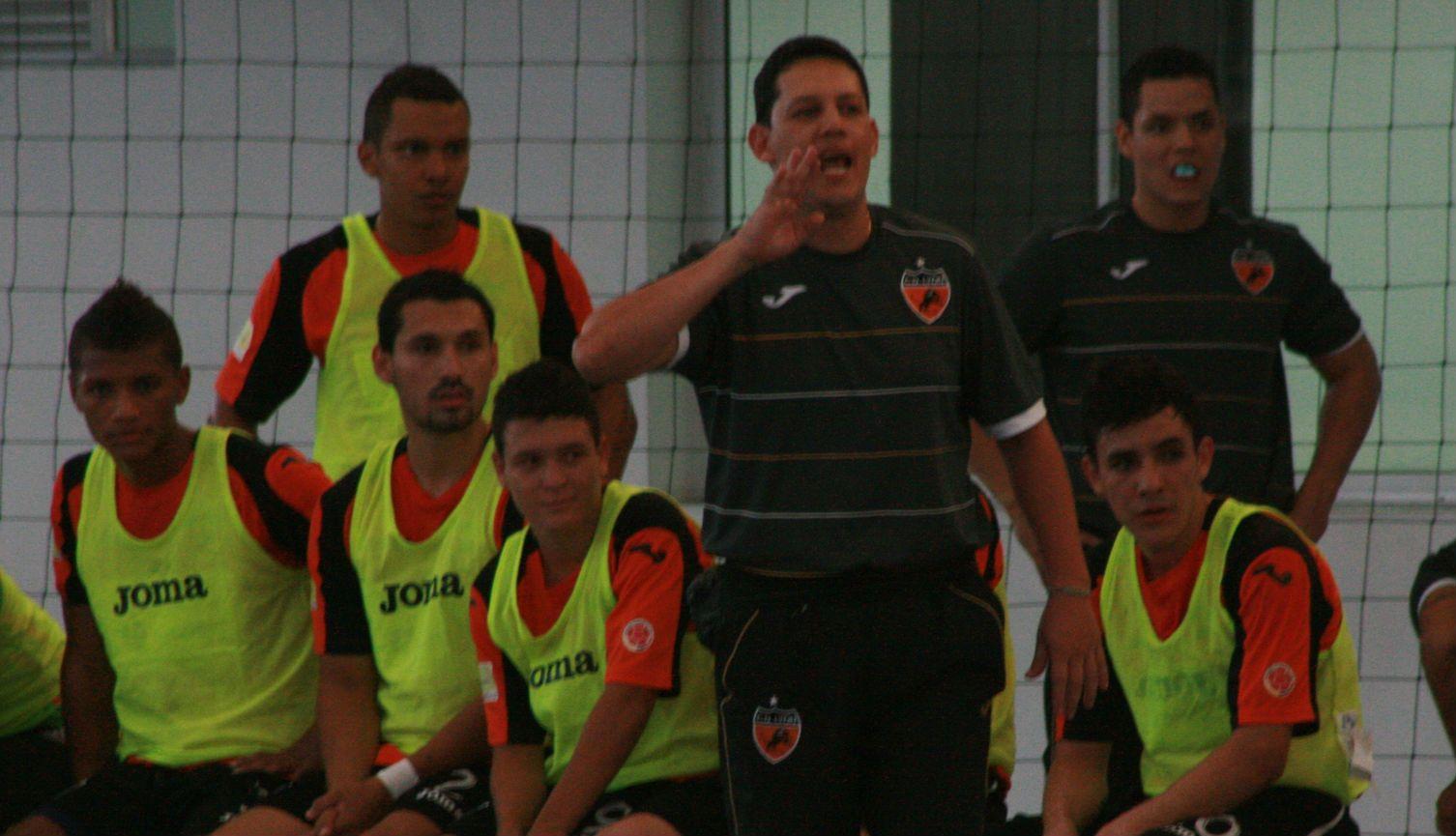 Desde la línea se habla con autoridad. #DeportivoLyon
