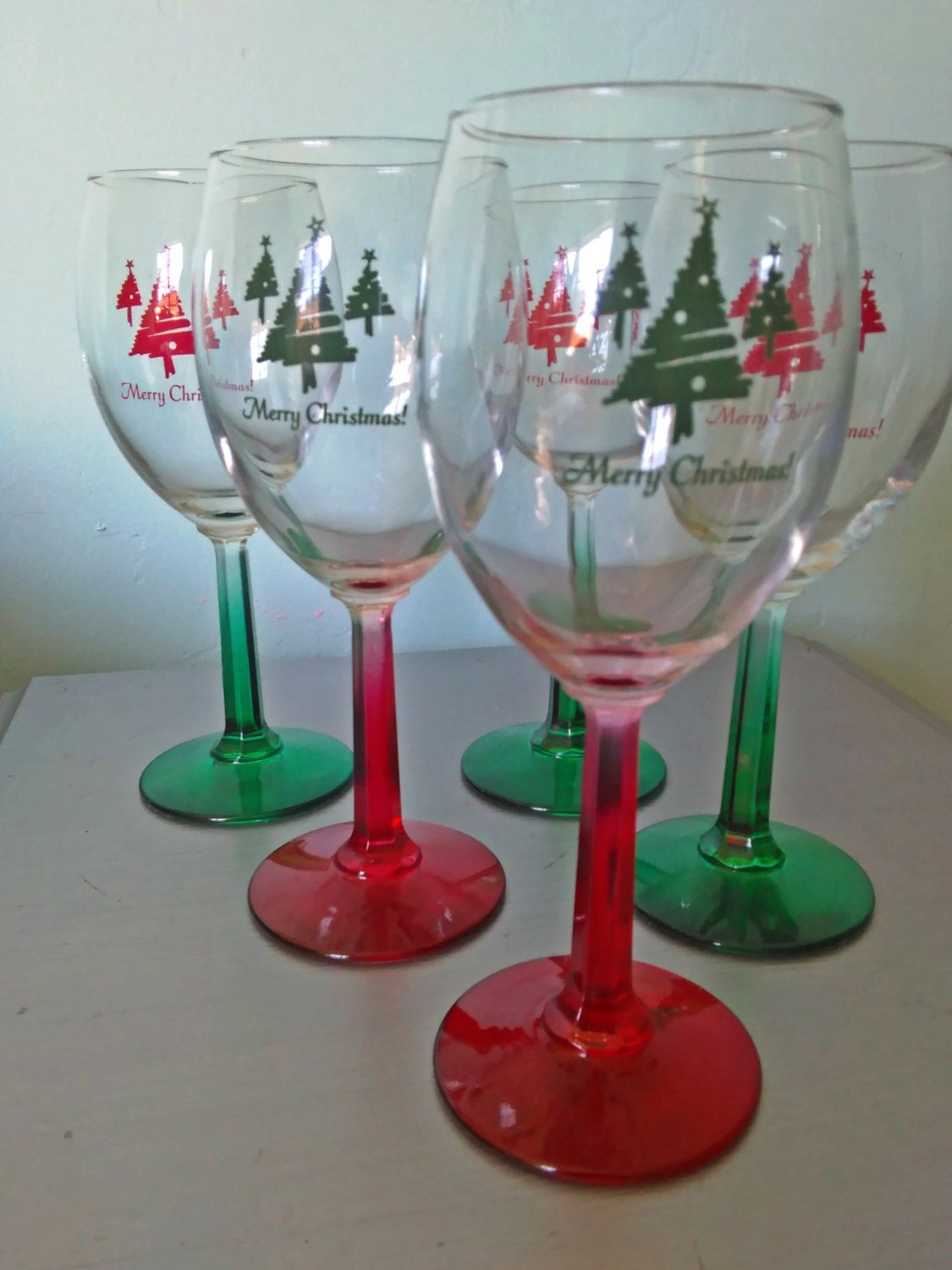 Vintage Wine Glasses Merry Christmas Set Of Five Red And Green Hexagonal Stem Vintage Merry Christm Christmas Wine Glasses Vintage Wine Merry Christmas Vintage