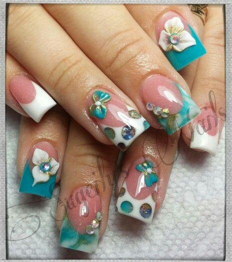 Hermosas uñas acrilicas francesas con alto relieve y ...