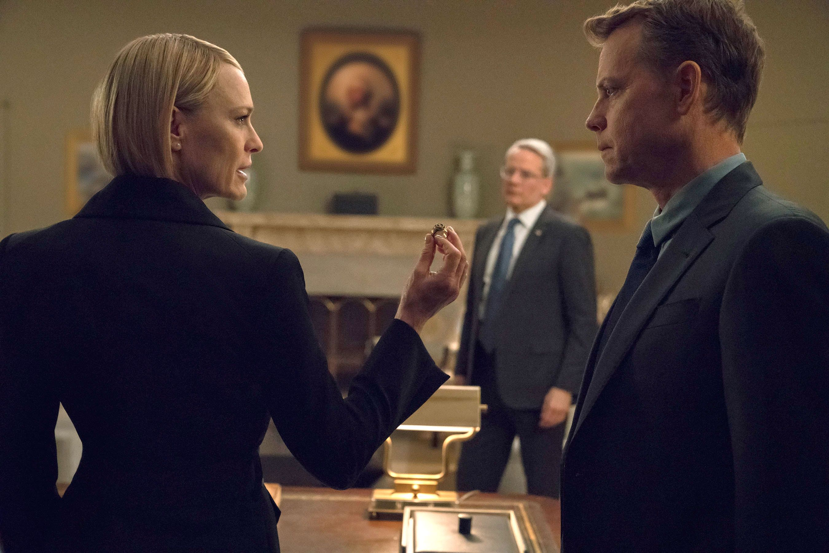 House Of Cards Recap The Shepherds Put The Pressure On Claire House Of Cards House Of Cards Season 6 Best Shows On Netflix