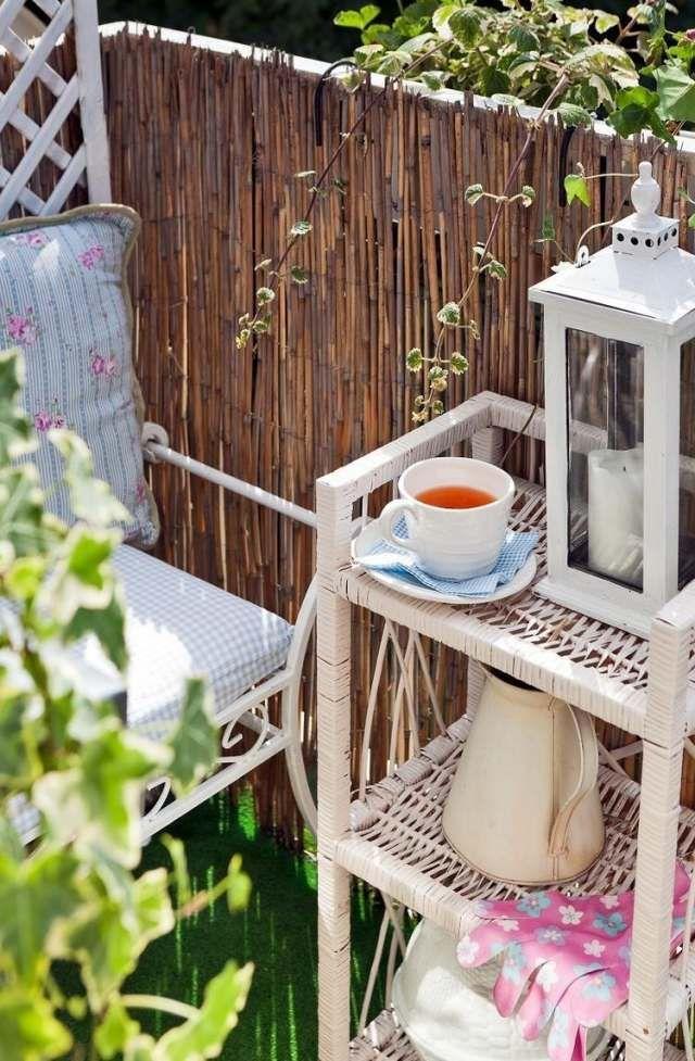 tipps balkongestaltung sichtschutz bambusmatten regal, Gartengerate ideen
