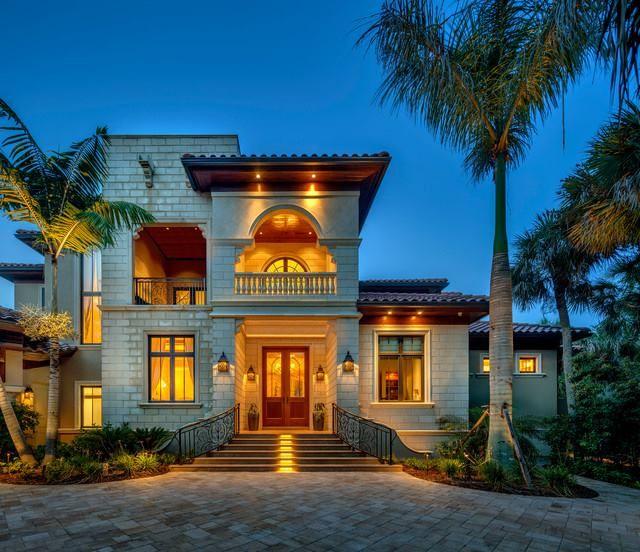 Tropical Beach House Interior: Modern Mediterranean Homes, Tropical