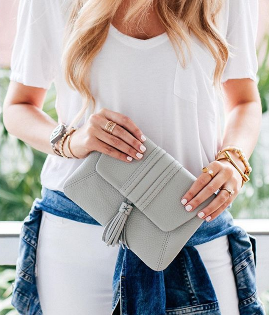 Pretty grey clutch