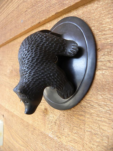 Door Knocker Bear