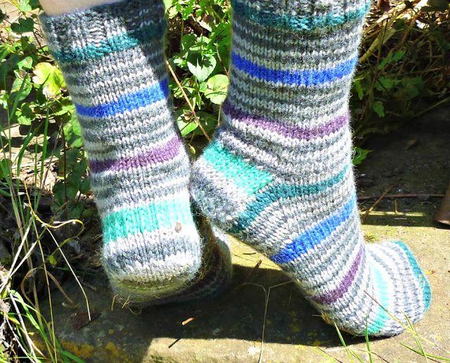 Winwick Mum: Basic 8ply (DK) boot socks - free pattern and ...