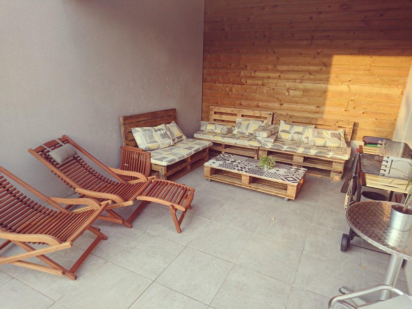 terrasse carrel e salon de jardin en palette table basse. Black Bedroom Furniture Sets. Home Design Ideas