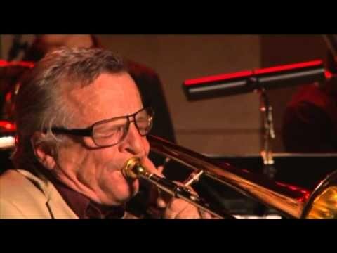 NEOS Brass met Bart van Lier - Dat mistige rooie beest - YouTube