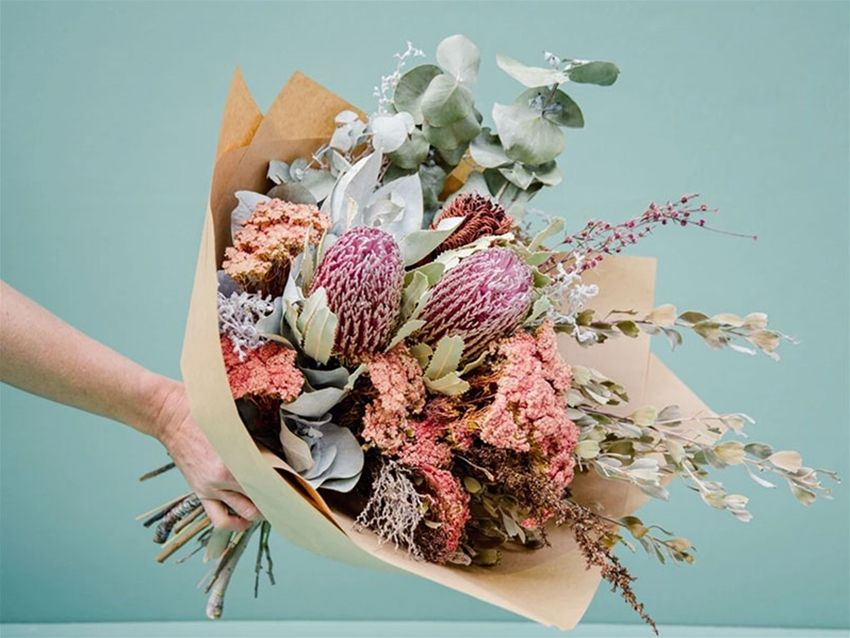 Everlasting Bouquets In 2020 Dried Flower Bouquet Dried Flower Arrangements Fresh Flowers Arrangements