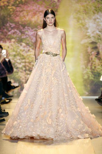 encajes y color salmón | inspiración alta costura para novias deluxe