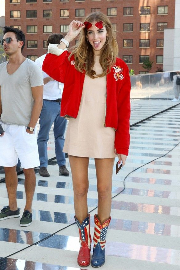 3957bc21b5ce Celebrity Outfit Ideas Straight From New York Fashion Week ...
