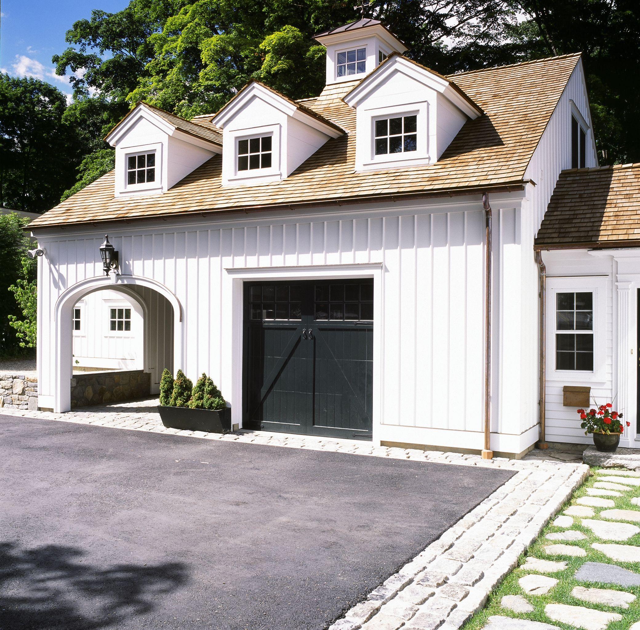 Pin By Becki Owens On Garage Doors Garage Door Design Garage Door Makeover Modern Farmhouse Exterior
