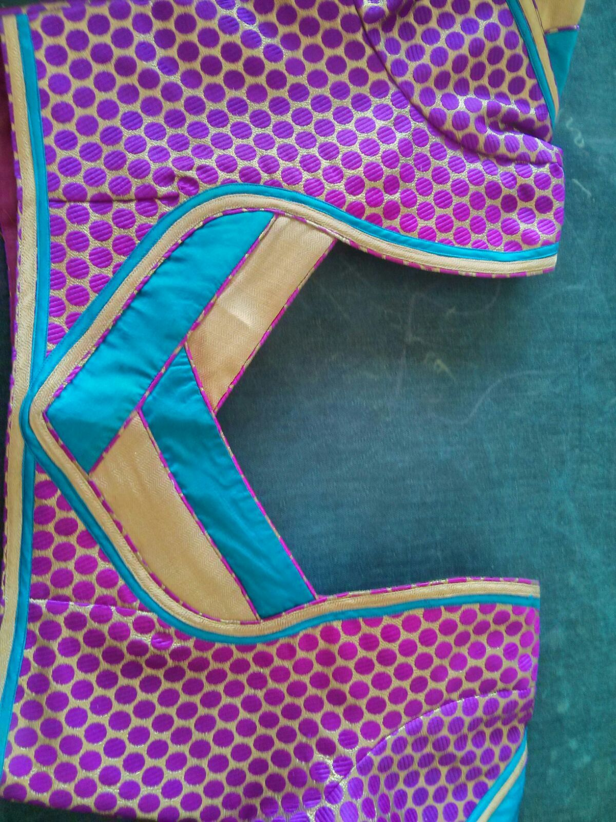 Pin By Amudha Shanmugam On Sequence Border Saree Blouse Design Models Fashion Blouse Design New Blouse Designs