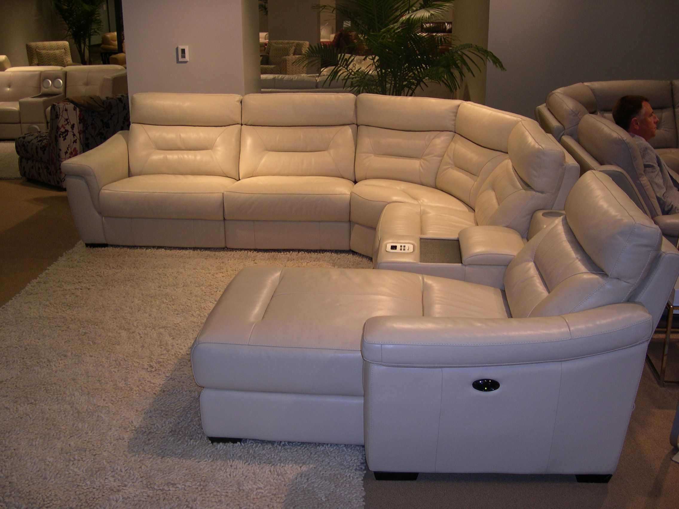 HTL Leather Sectional Adjustable headrests Note the built in