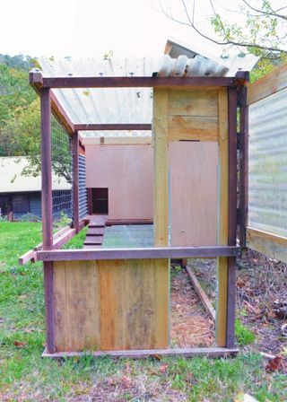 Simple Automatic Chicken Coop Door Automatic Chicken Coop Door Chicken Coop Run Diy Chicken Coop Plans