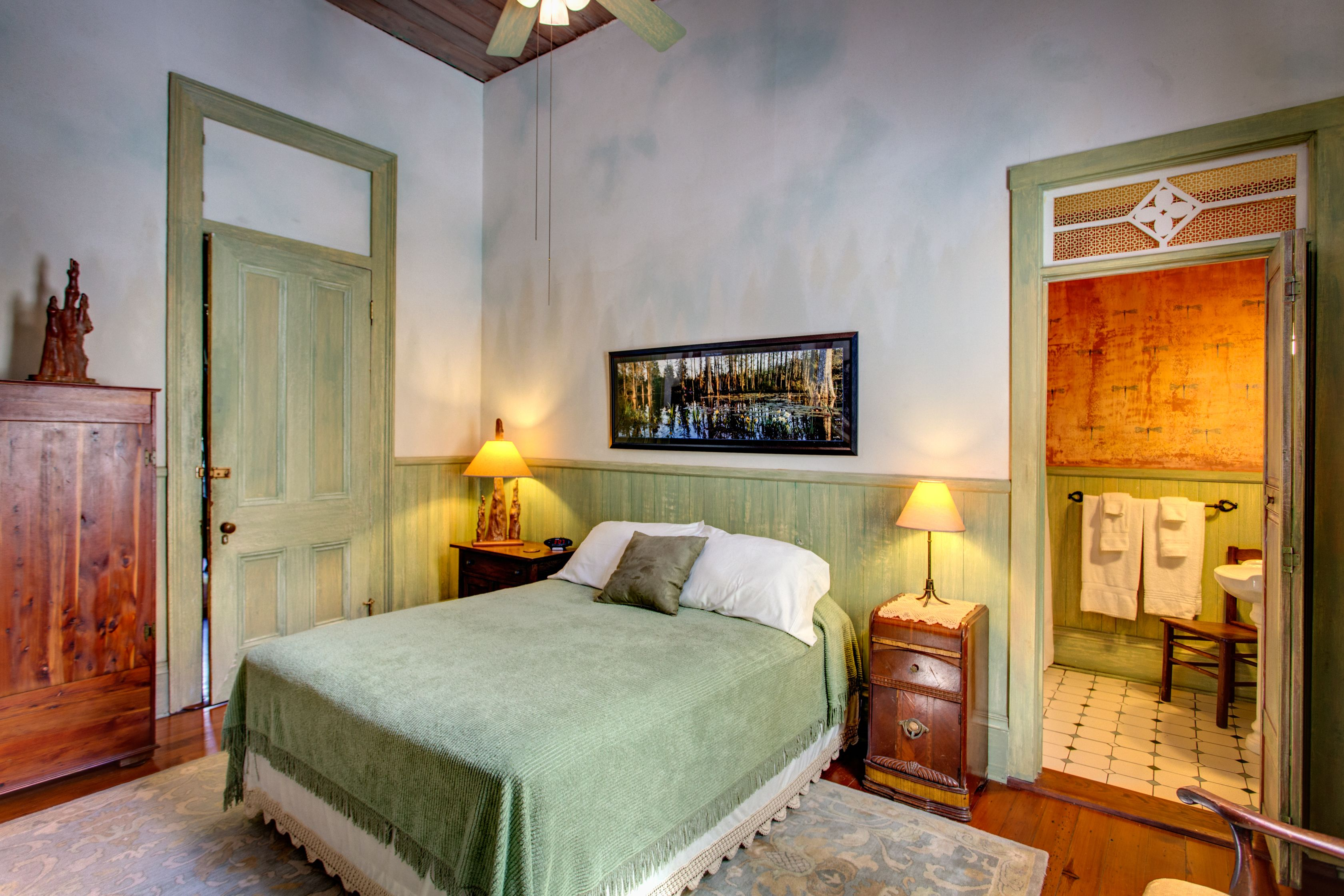 Auld Sweet Olive Bed and Breakfast, New Orleans Bed, Bed