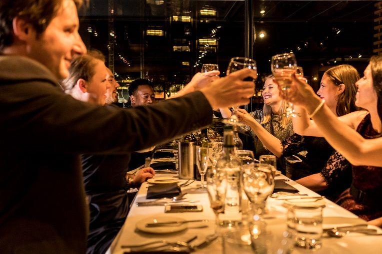 Bateaux London cruises party
