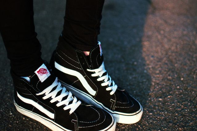 Vans sk8 hi ~ classic black | Vans sk8 hi outfit, Sneakers