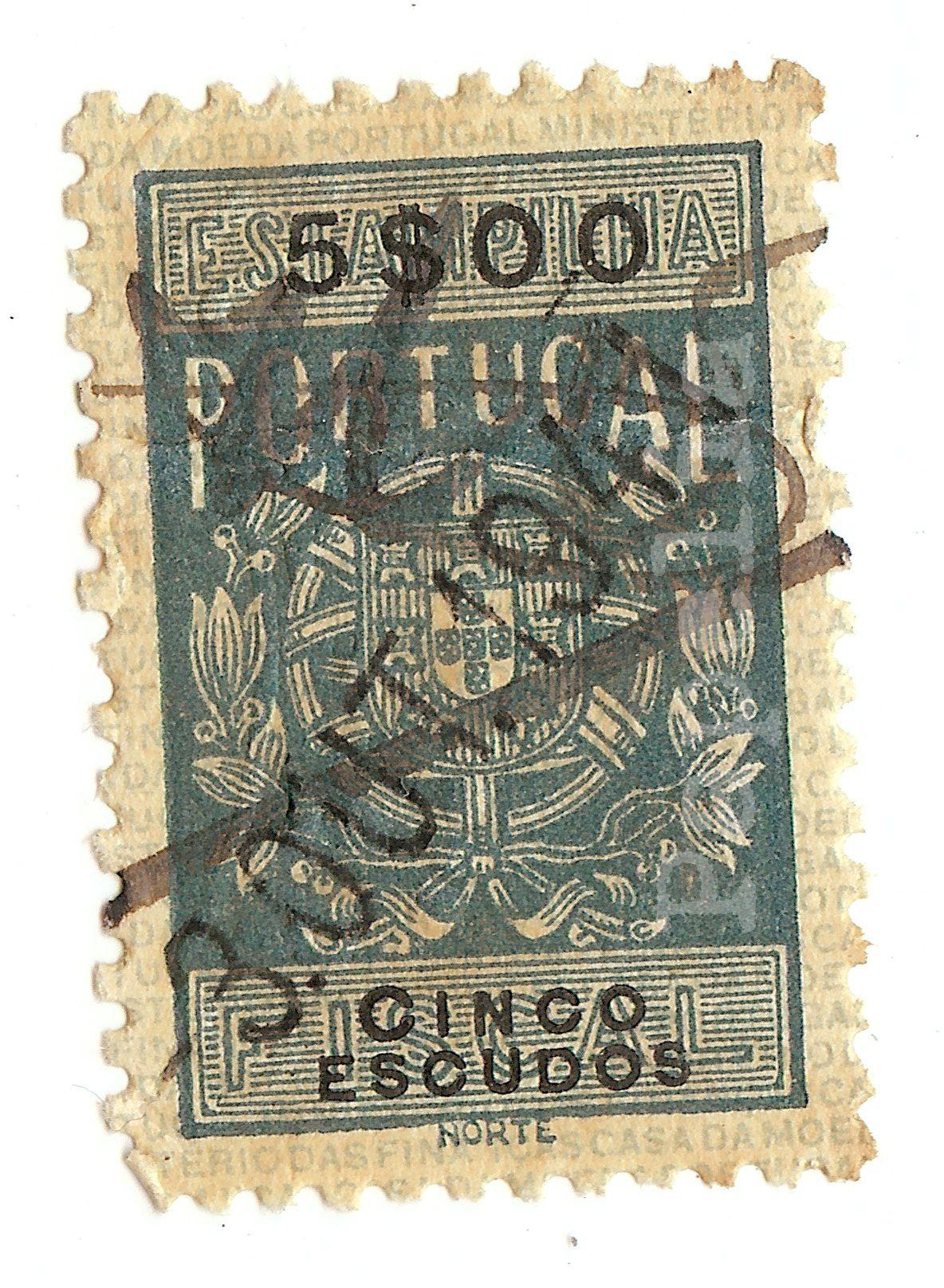 """""""Estampilha fiscal. Portugal. 5$00 Cinco escudos"""". Usado. Circulado, 30 OUT 1941. À venda: www.papelia.com.br"""