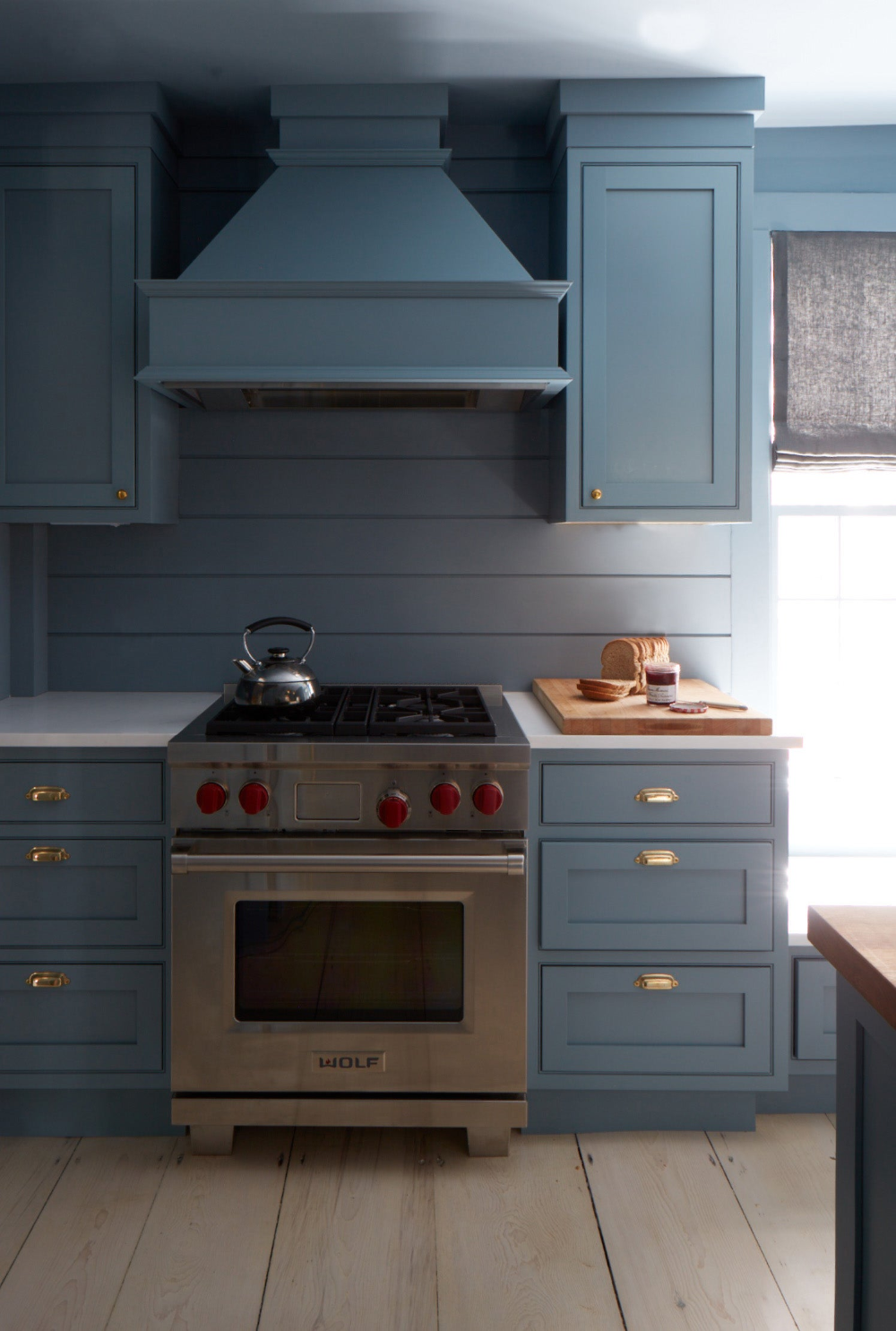 Nantucket Residence By Ash Nyc On 1stdibs Kitchen Design Pictures Kitchen Design Beautiful Kitchen Cabinets
