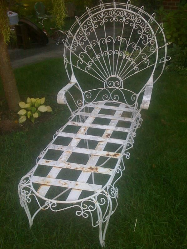 Vintage Antique Wrought Iron Peacock Chaise Lounge Iron