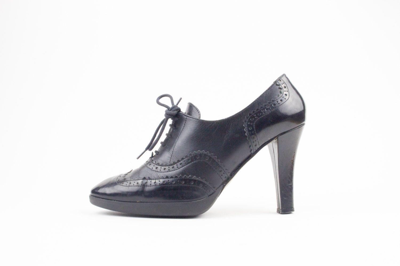 90s Vintage Wingtip Heels | Via Spiga Shoes | Witch Shoes | Goth Heels | Womens…