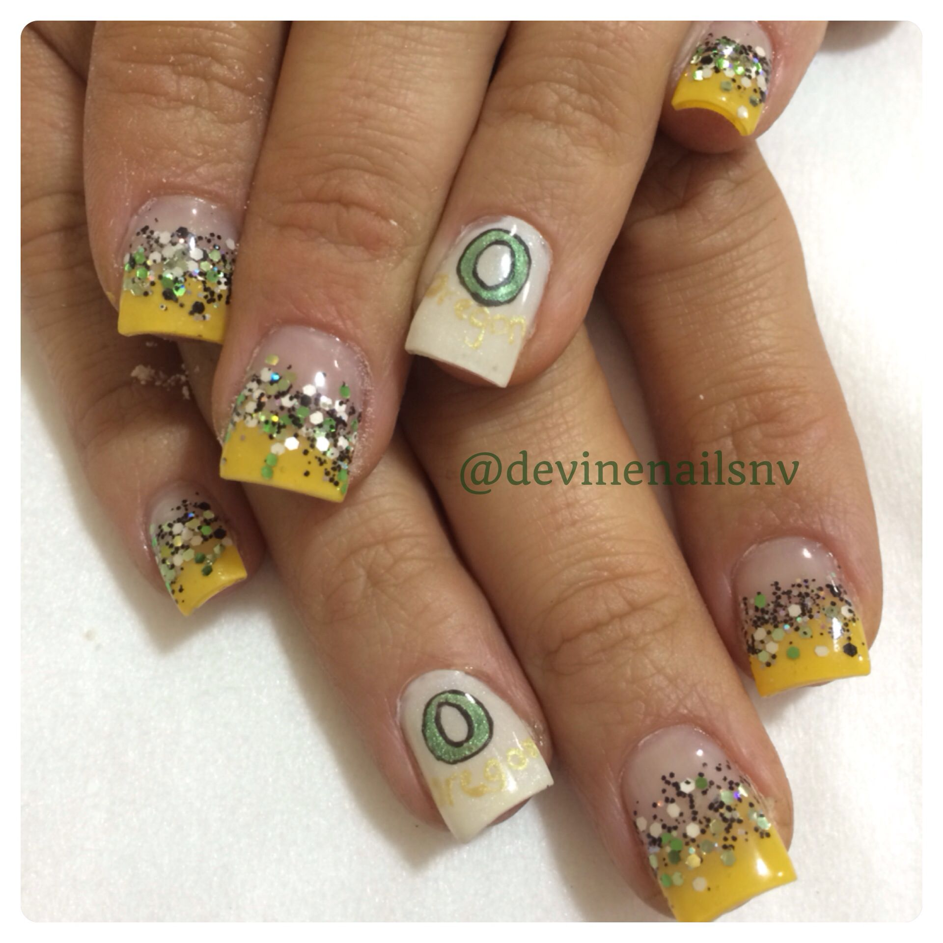 Oregon Ducks nails - yellow gel with a green, white, and black ...