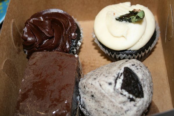 Vegan Cupcakes Sweets From Sticky Fingers Bakery Dc Vegan Cupcakes Sticky Fingers Bakery Bakery