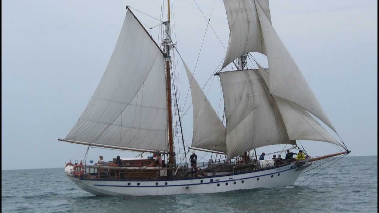 Brigantine STV Pathfinder Sailing To West On Lake Erie