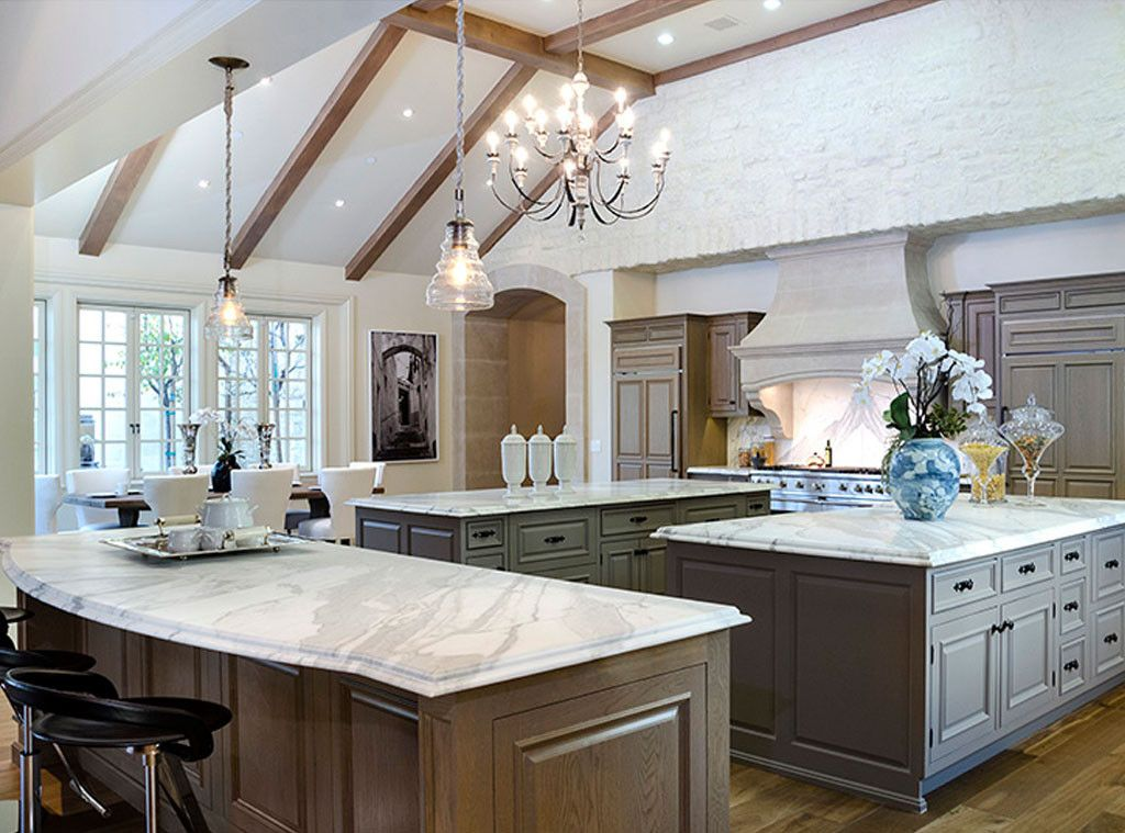 Tour Kim Kardashian And Kanye West S Insane 20 Million Hidden Hills Mansion Kardashian Home Beautiful Kitchens Luxury Kitchens
