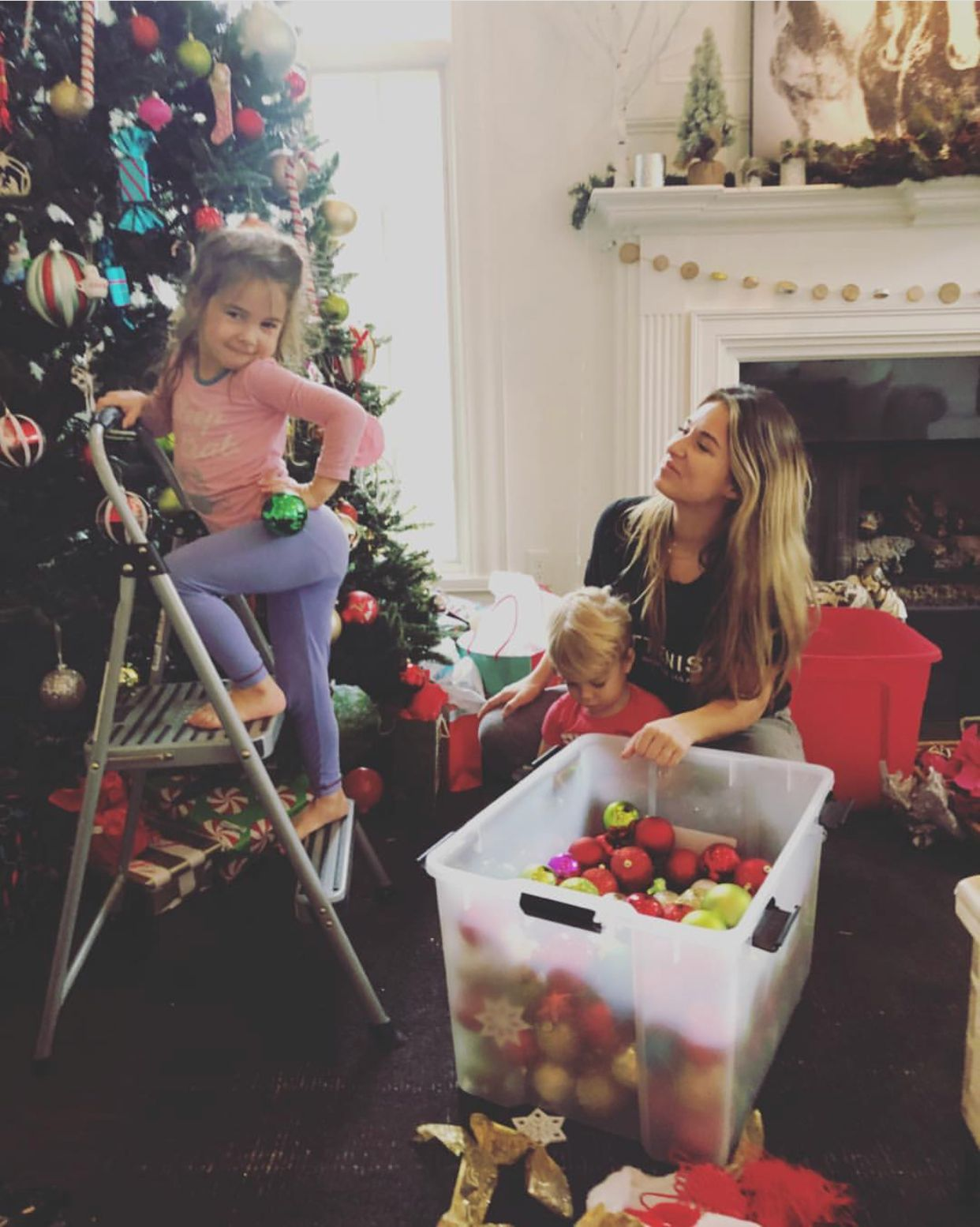 JJD with her babies this Christmas season | Jessie James Decker ...