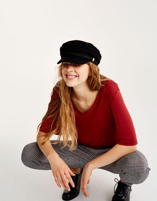 pull bear mujer novedades camiseta b sica cuello. Black Bedroom Furniture Sets. Home Design Ideas