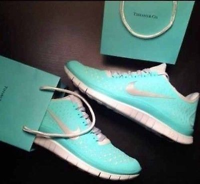 New In Box Womens Nike Free Run 3.0 V4 Mint Green Tropical