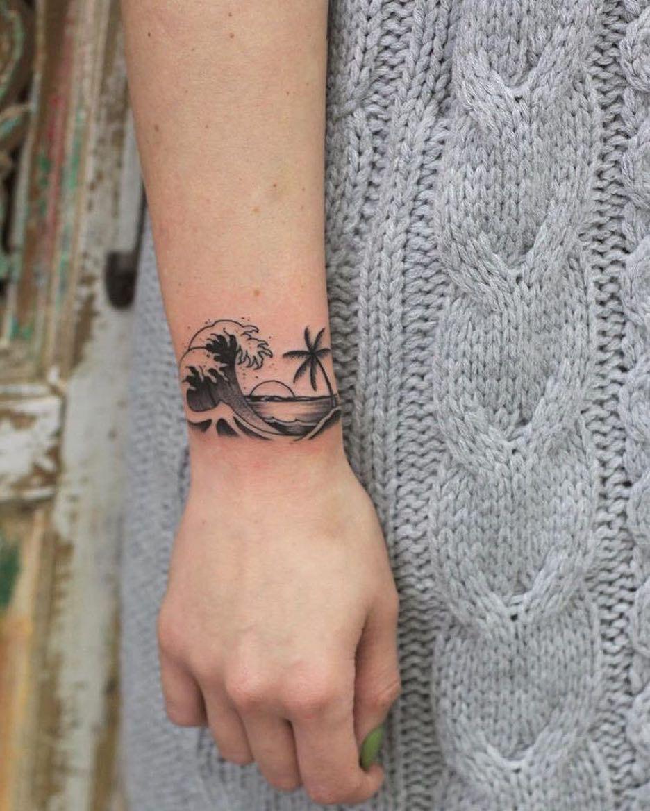 Pin On Woman Tattoos