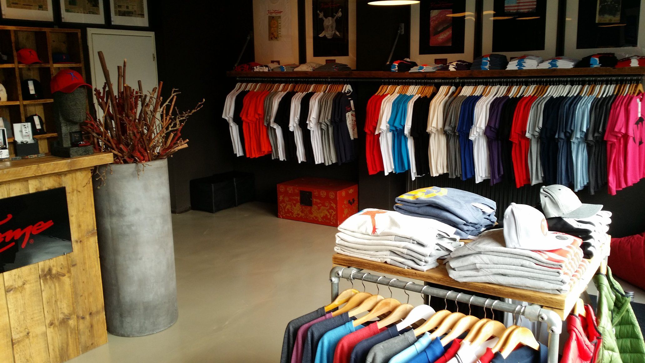 Overview Branstore Holland ,Rotterdam. www.knowtname.com