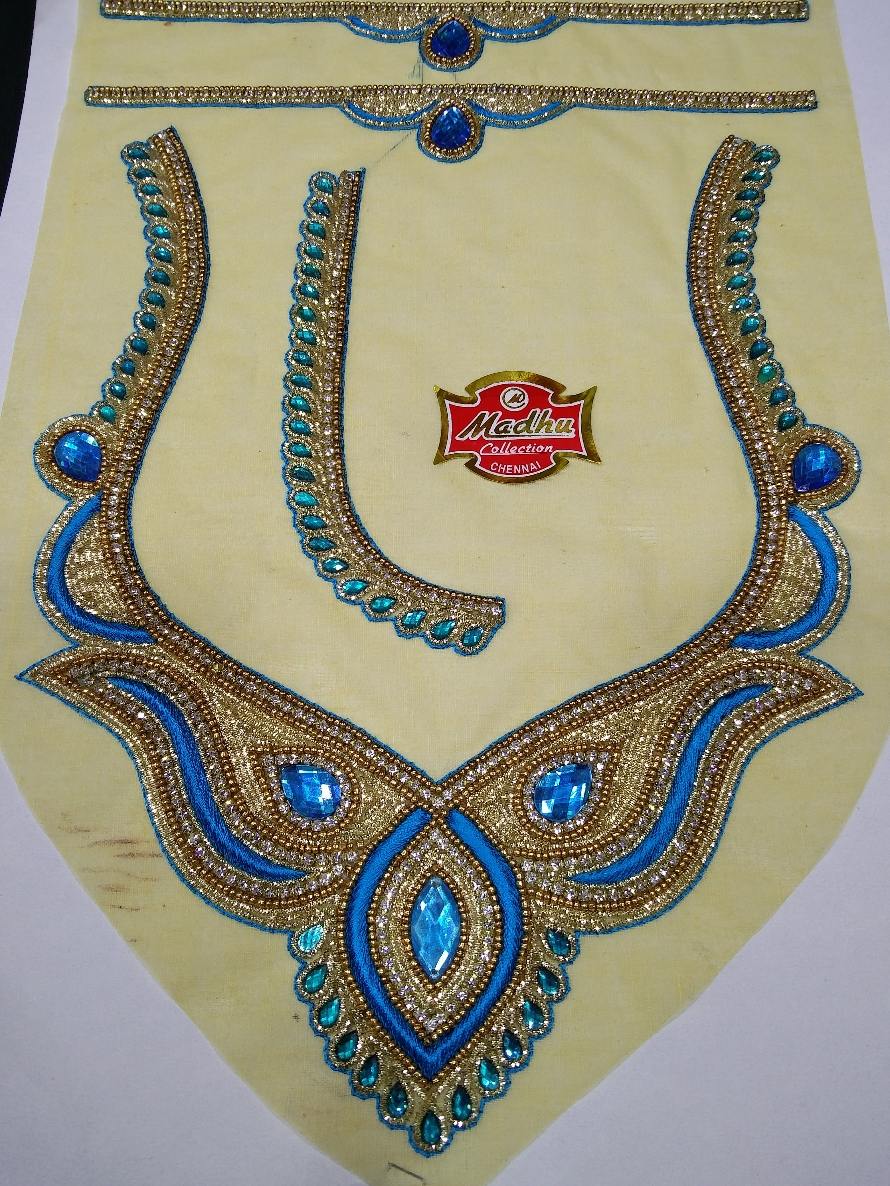 Blouse Back Neck Design. | Broderie De Perles | Pinterest | Embroidery Beads And Aari Embroidery