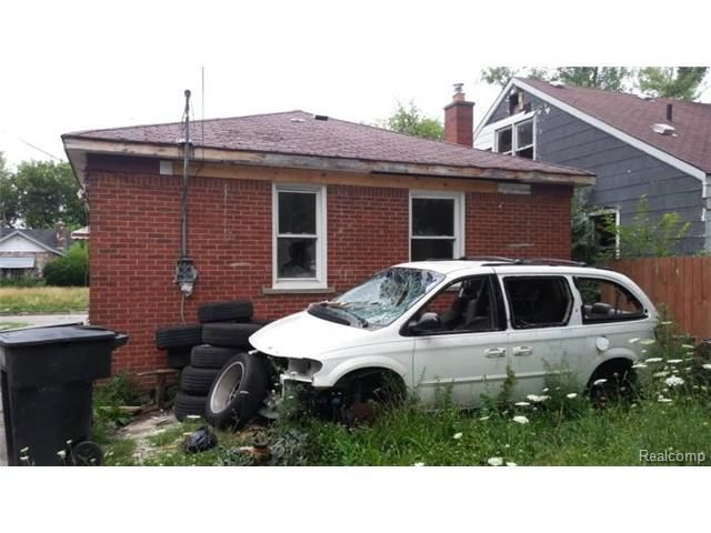 Best Priced To Sell Fixer Upper Brick Home With A Detatched 400 x 300