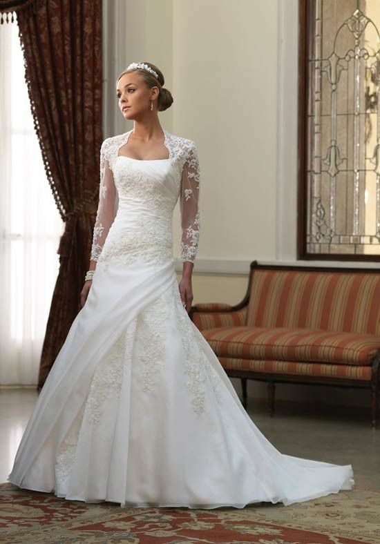 Luxurious Long Sleeves Applique Flat Petite Sweep Length Wedding