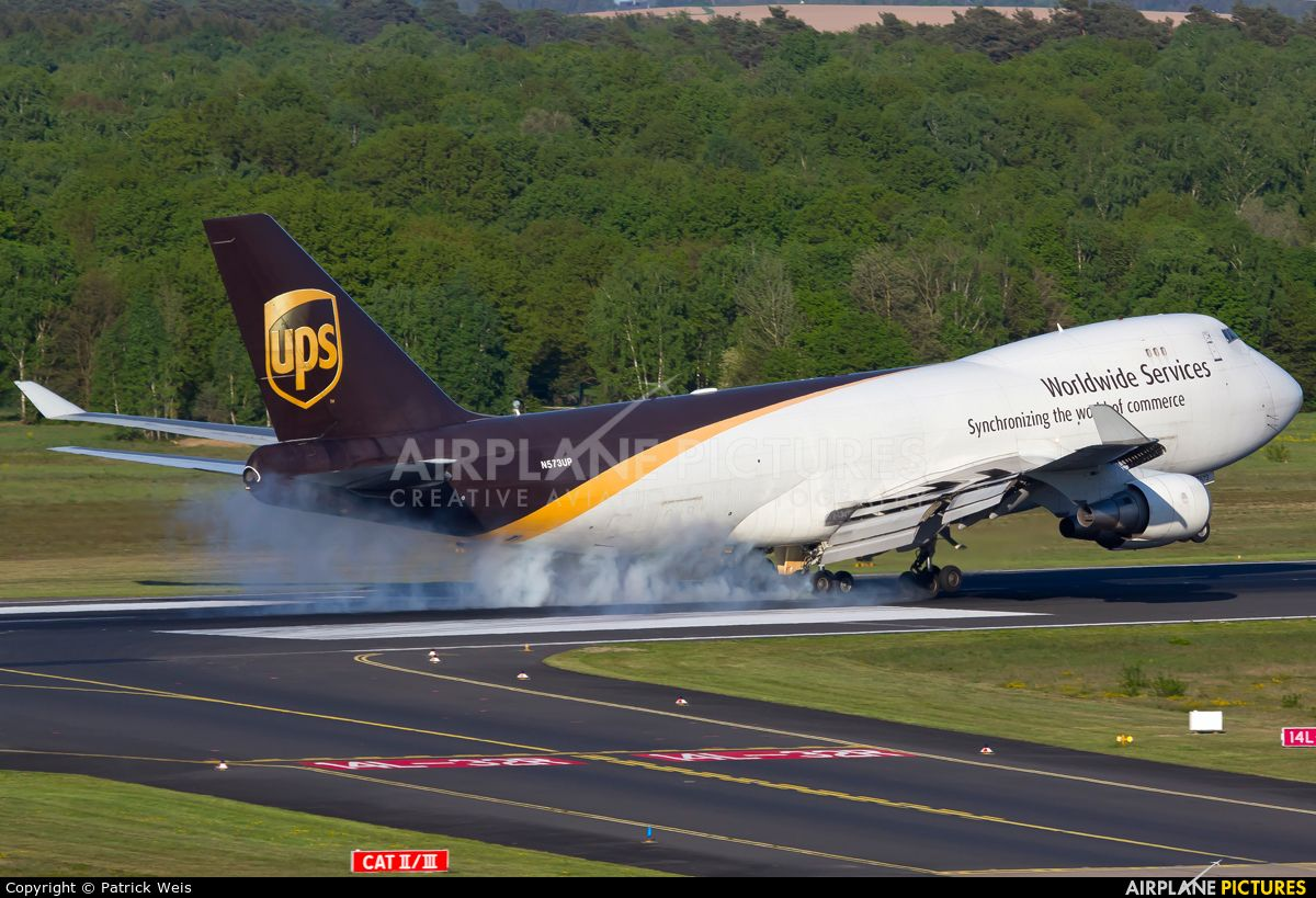 Ups United Parcel Service Boeing 747 400f Erf Photo By Patrick Weis With Images Boeing 747 Air Photo Airplane Design