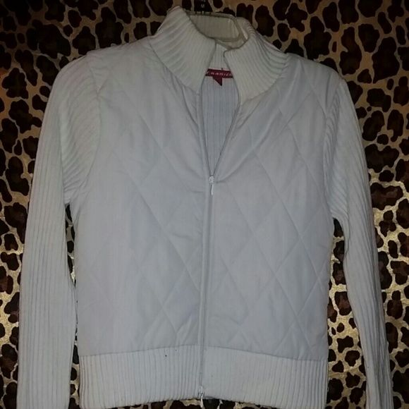 *AVAILABLE & FINAL PRICE* WHITE JACKET *FINAL PRICE* zips in front. Great for the fall weather. Jackets & Coats