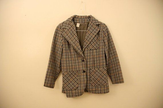 60s Era Vintage Wide Collar Plaid Sherlock Holmes Professor Blazer Jacket with Leather Arm Patches in Size 14 with a 32 inch waist