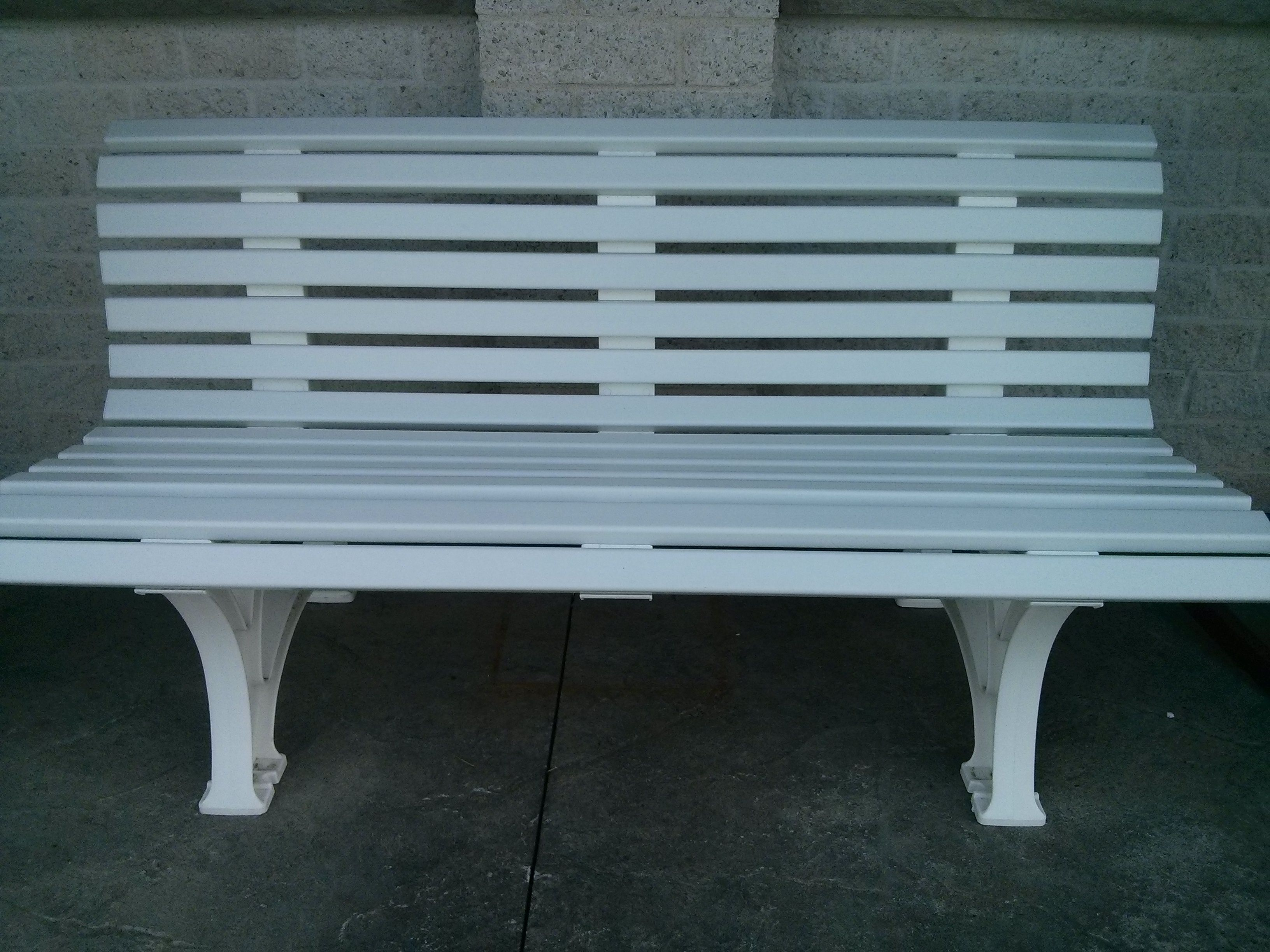 From Kettler S Wicker Garden Furniture Range Ona Awhoite Background - White 5 bench