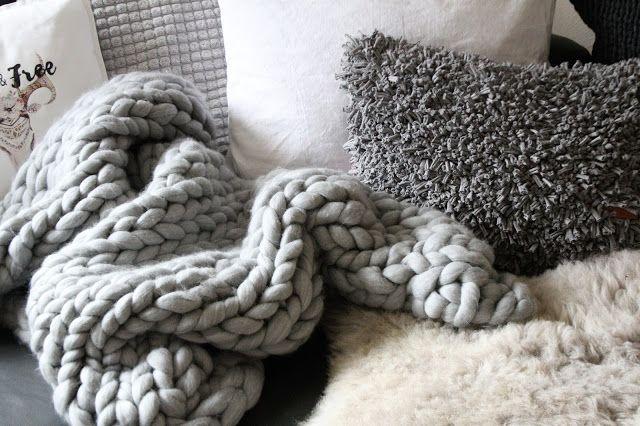 chunky knit decke oder teppich aus fleecedecken bed decoration pinterest stricken. Black Bedroom Furniture Sets. Home Design Ideas