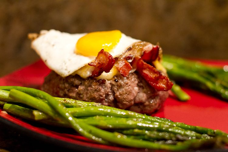 Low Carb Brunch Burger Recipe | Low Carb Recipes