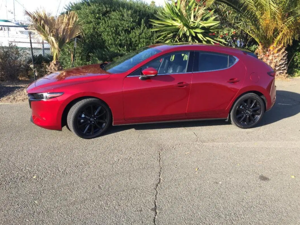 2020 Mazda 3 Hatch Premium Awd Automotive Industry News Car Reviews Awd Mazda 3 New Cars