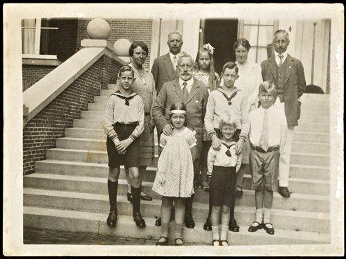 .Kaiser Willhelm II with family