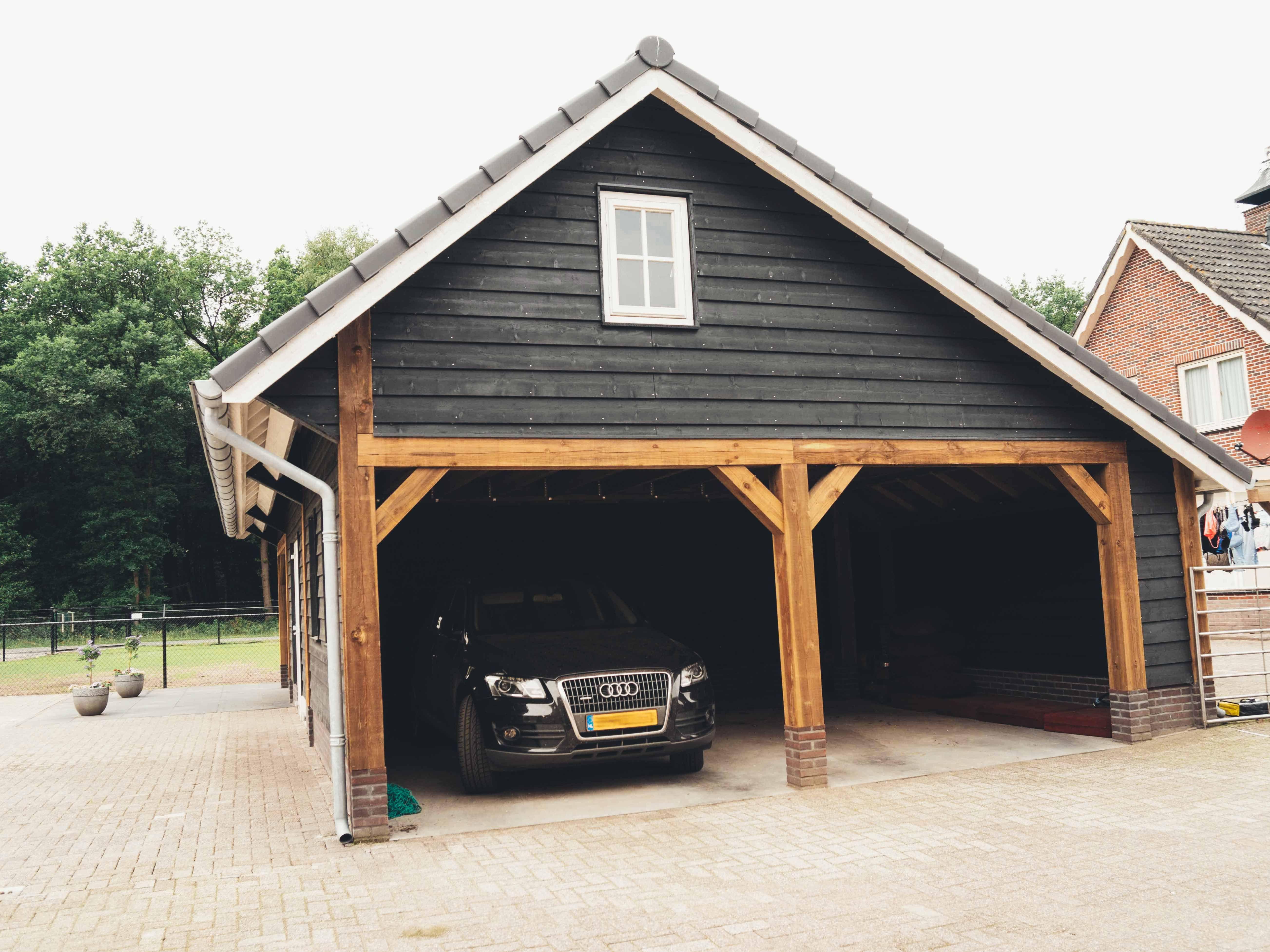 Houten carport Houten schuur, Huis buitenkant design